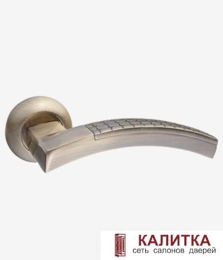Ручка дверная RENZ на круглом основании ВАЛЕНТИНО DN 32-08 AB бронза СНЯТА С ПРОИЗВОДСТВА