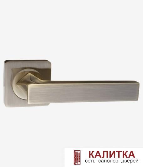 Ручка дверная RENZ на квадратном основании РАВЕНА DH 302-02 AB бронза TD185207